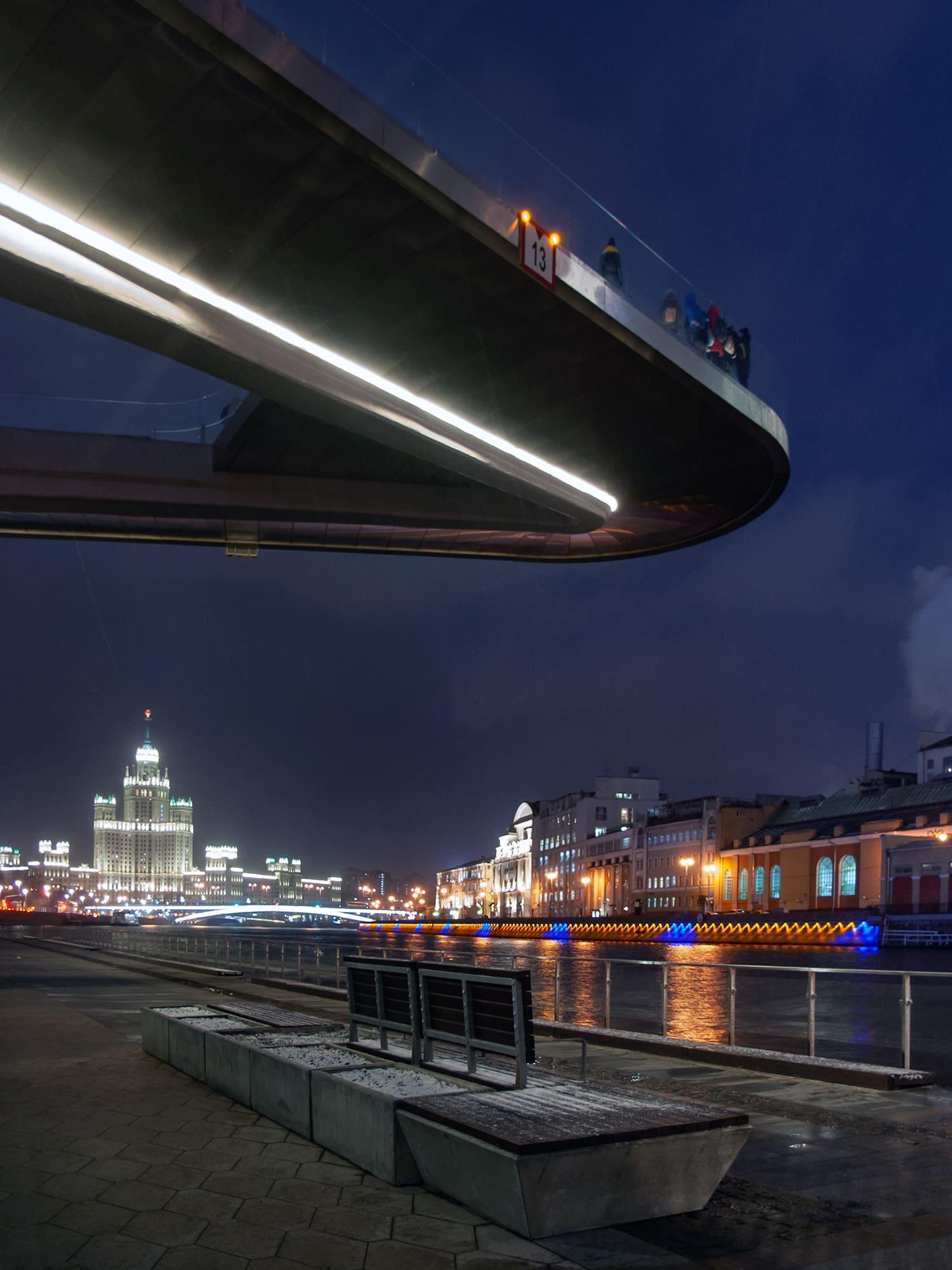 Парящий мост Москворецкая набережная