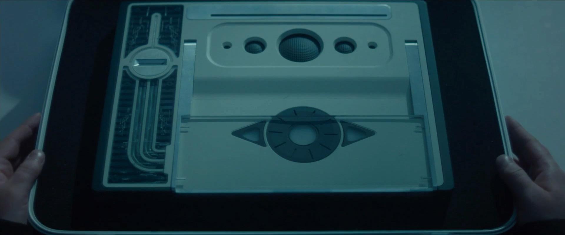 """Устройство для записи воспоминаний из фильма """"Вспомнить заново"""" (2017)"""