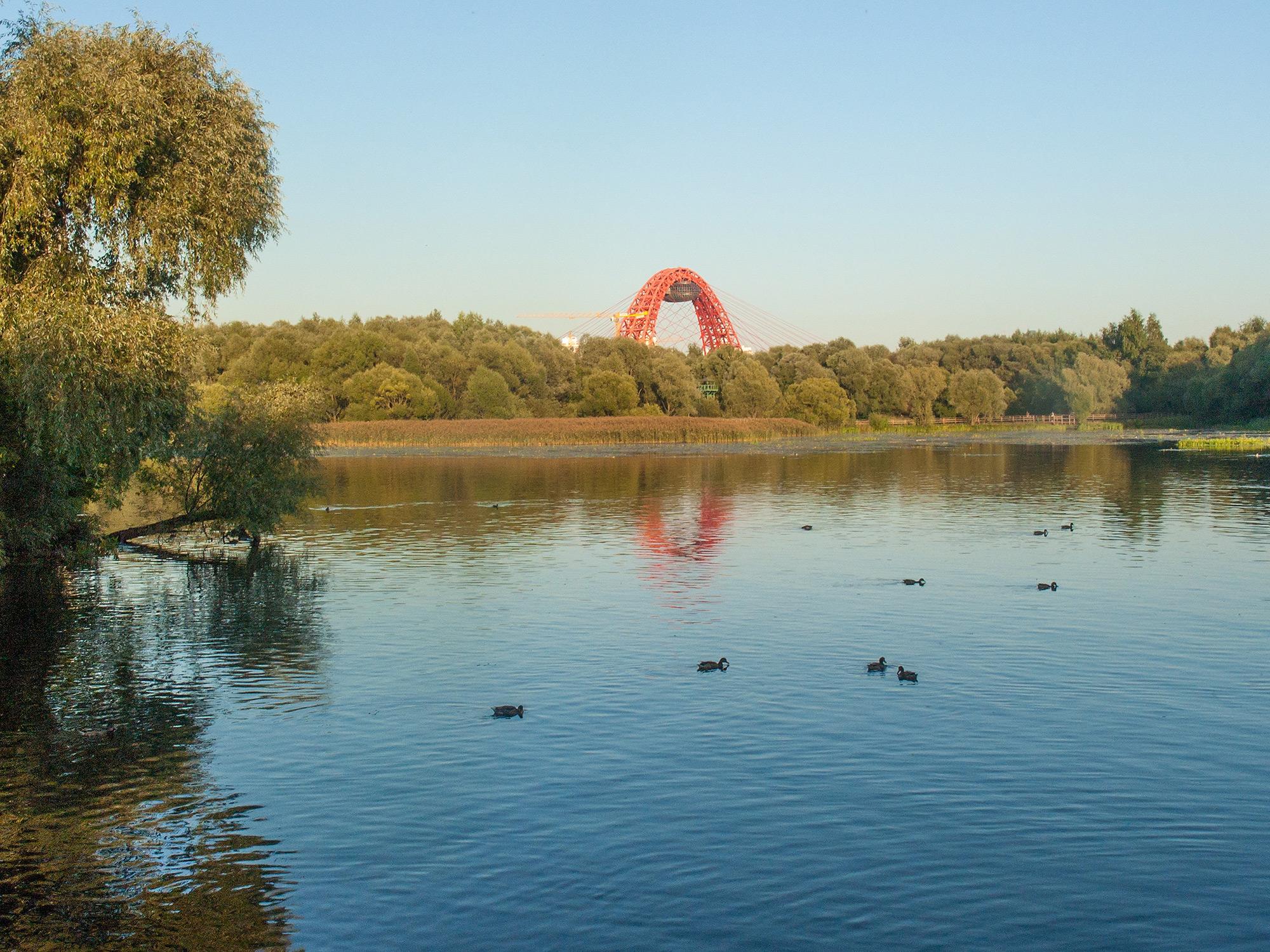 Вид на озеро Бездонное и Живописный мост